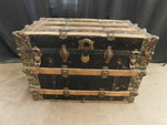 Vintage trunk w/great hardware, app...