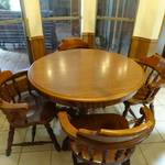 Wood kitchen table w/ single pedestal