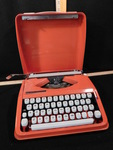 Vintage Hermes Rocket typewriter in...