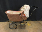 Awesome vintage baby buggy, great f...