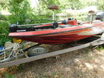 1986 Champion Bass Boat w/250 hp Me...