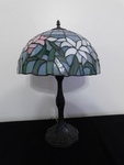 Beautiful Tiffany-style table lamp...