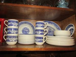 USA BLUE WILLOW DISHES