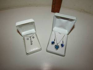 BEAUTIFUL NECKLACE & EARRING SETS